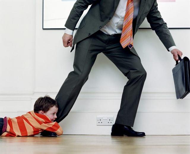 Как избежать алиментов на ребенка, жену и родителей