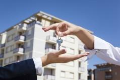 Можно ли продать, купить квартиру в аварийном доме в 2020 году