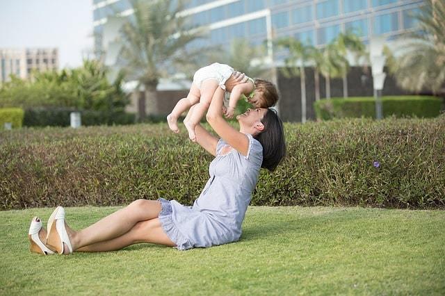 Алименты на содержание супруги до 3 лет: порядок взыскания, размер выплат, образец заявления