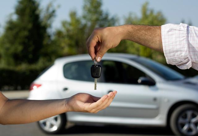 ГИБДД будет автоматически прекращать регистрацию автомобилей в случае смерти владельцев