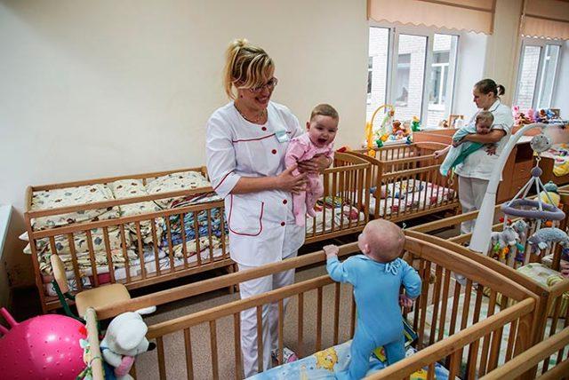 Как взять ребенка из детского дома под опеку: порядок оформления опекунства
