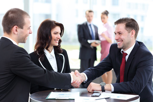 Договор дарения между физическим и юридическим лицом (образец): особенности, порядок оформления