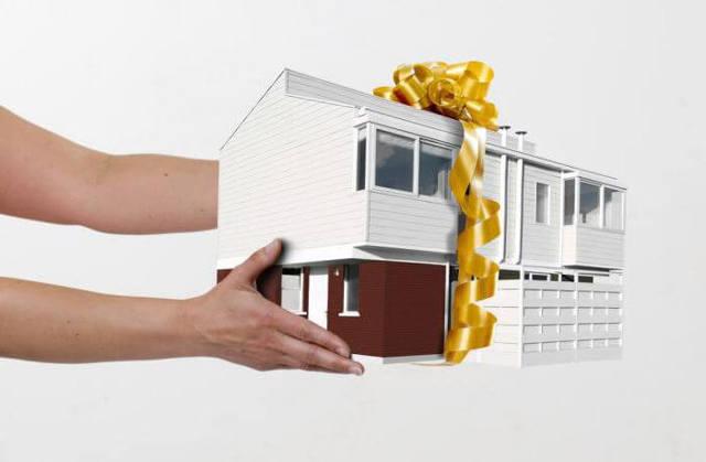 Плюсы и минусы договора дарения: на квартиру, дом, автомобиль