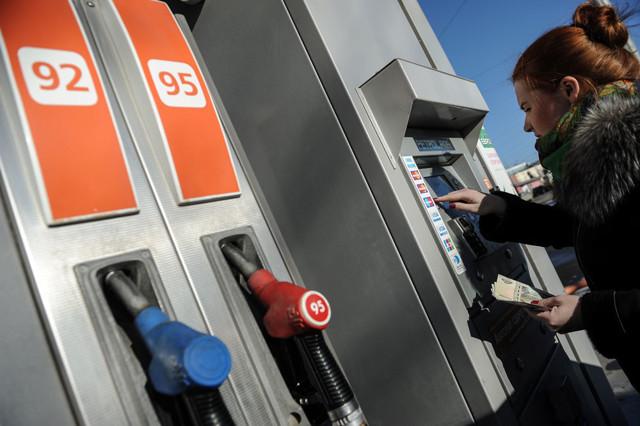 За недолив топлива на АЗС будут штрафовать