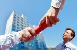 Покупка квартиры по переуступке прав: что значит переуступка, риски, порядок покупки квартиры