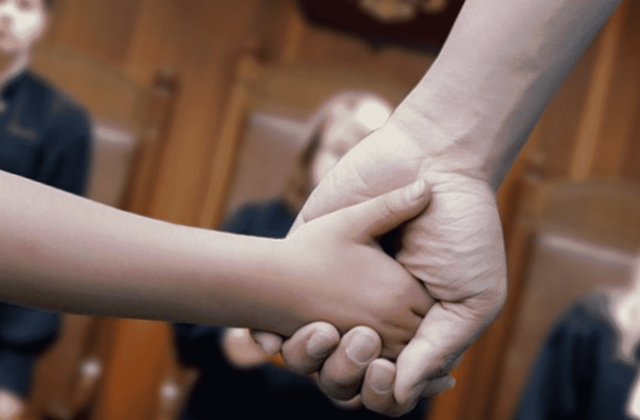 Как оставить ребенка с отцом при разводе?