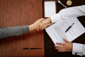 Продажа квартиры после вступления в наследство: правила, сроки