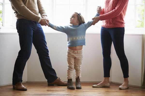Определение места жительства ребенка: с отцом или матерью – пошаговый порядок подачи иска в суд, образец искового заявления 2020 года
