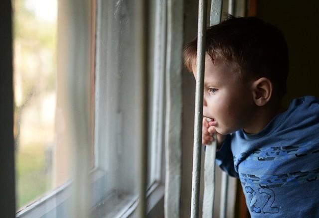 Минобразование предлагает ужесточить правила усыновления