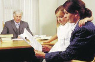 Права отца и матери на ребенка после развода: исполнение родительских обязанностей и ответственность за их неисполнение